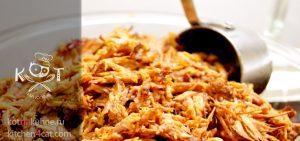 Томлёно-тушеная пикантная свинина под острым томатным соусом