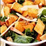 Салат из капусты с картофелем и яблоками под горчичной заправкой