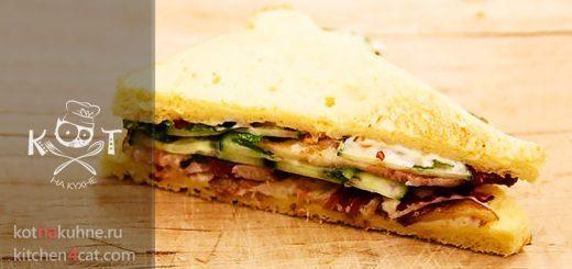 Сандвич с ветчиной и соленым огурцом