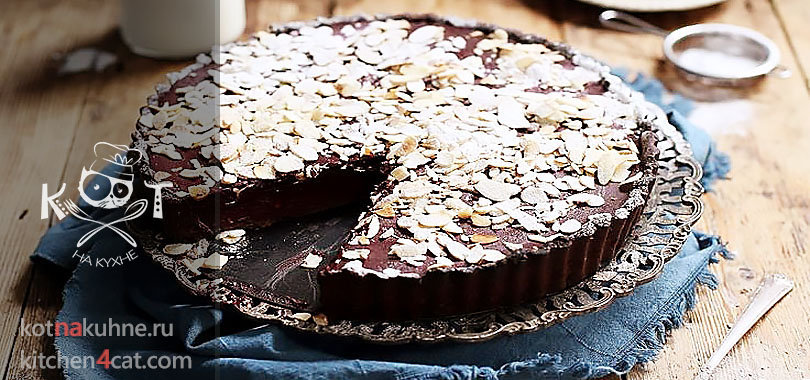 Красный бархатистый шоколадный пирог из свеклы