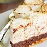Шоколадный торт-пирожное с зефиром и печеньем без выпечки