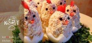 """Фаршированные яйца """"Цыплята"""" с копченой курицей"""
