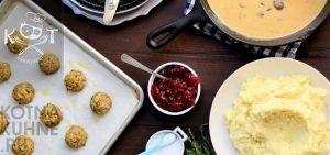 Сладкий клюквенный соус к мясу или десерту