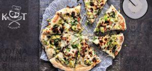 Пицца из брюссельской капусты с беконом под сыром