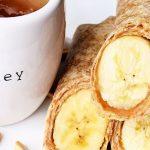 Рулет из лаваша с бананом и арахисовой пастой