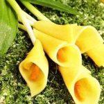 """Салат """"Букет цветов - Каллы"""" с морепродуктами, грибами и яйцом"""