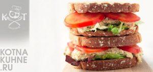 Сэндвич с хумусом и помидорами (веганский)
