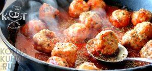 Фрикадельки из фарша со шпинатом в томатной подливке (рецепт на сковороде)